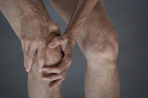 天氣變化防骨關節炎發作,骨頭痛千萬不能「忍」