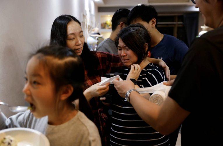 離開香港:一家人做出艱難的決定